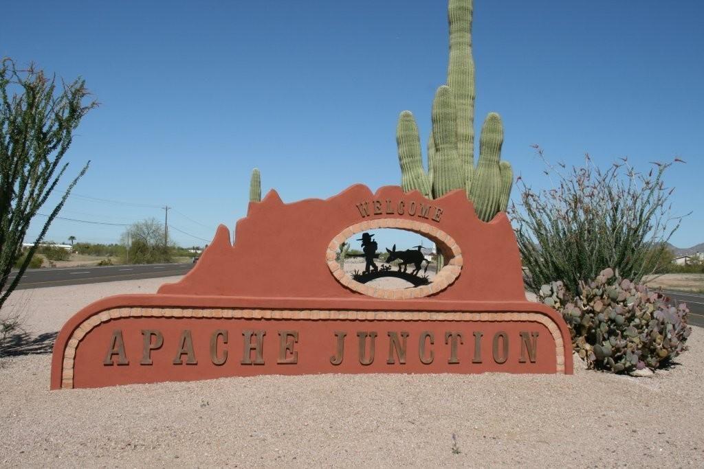 Apache Junction sign by MikesRoadTrip.com