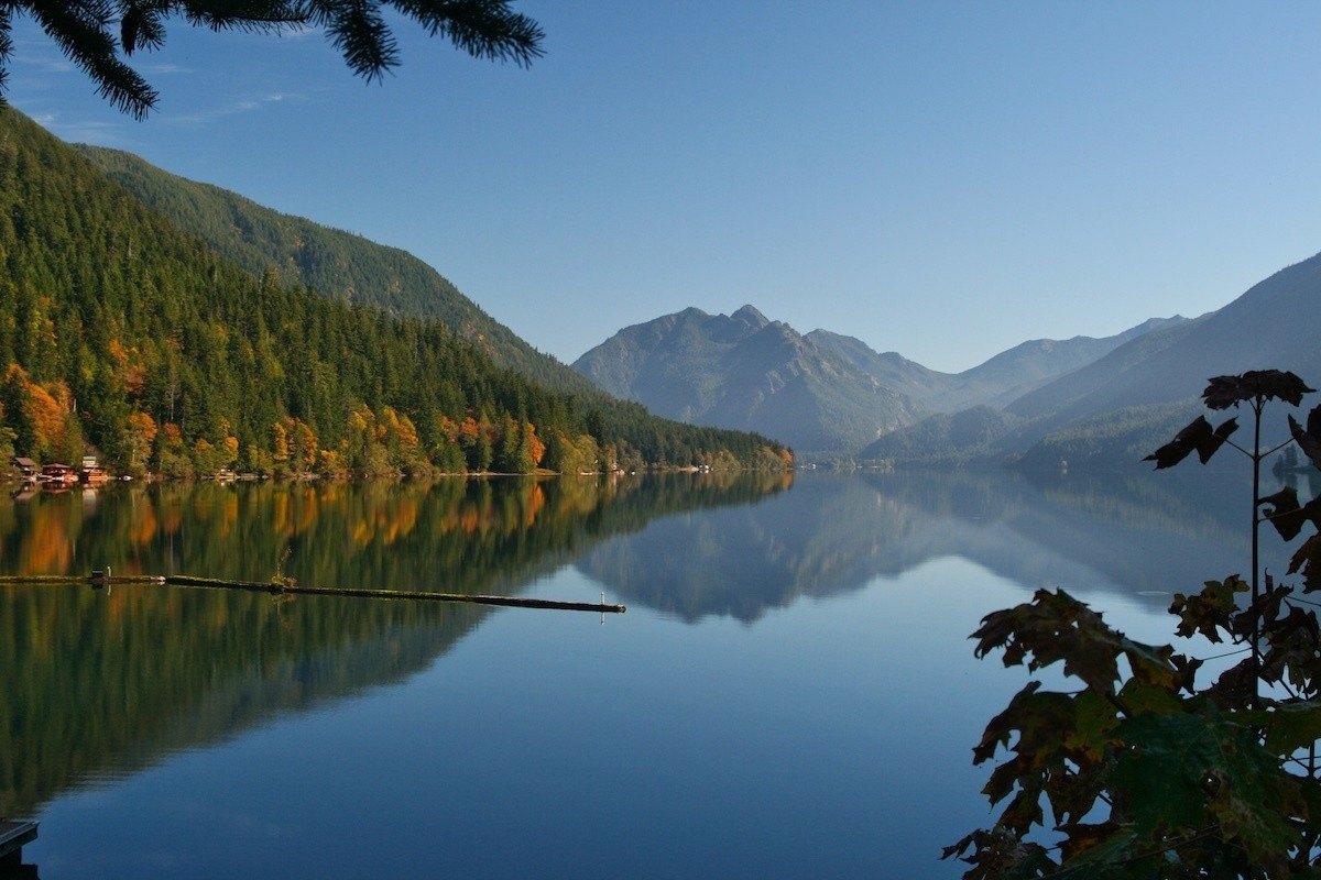 Cressent Lake along an Olympic Peninsula Road Trip - Photo by: Mike Shubic of MikesRoadTrip.com