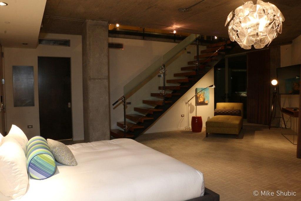Bedroom of Hotel Valley Ho suite