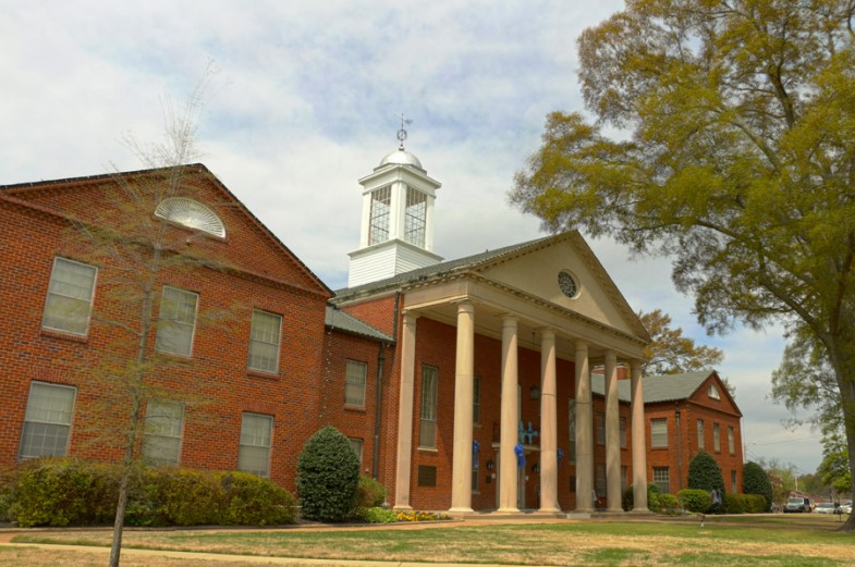 DeSoto county courthouse by MikesRoadTrip.com