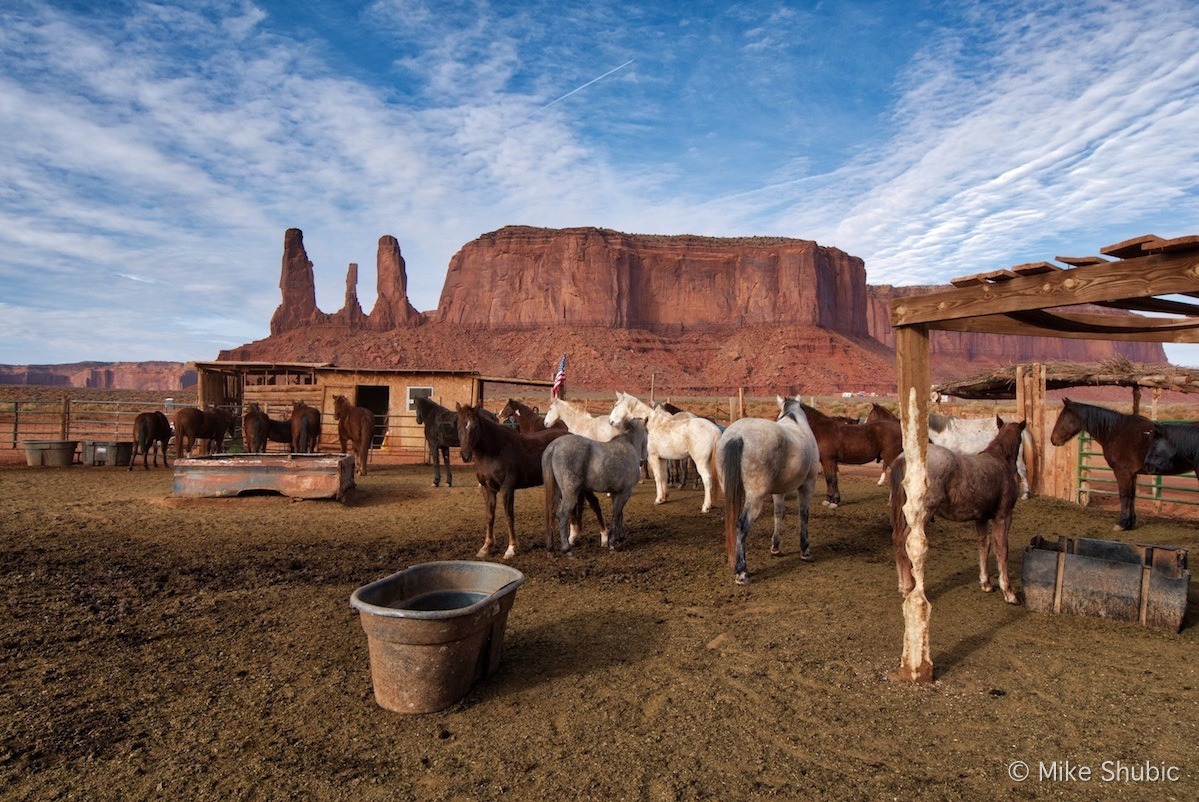 Horseback riding is one of the many things to do while visiting Monument Valley Utah and Arizona