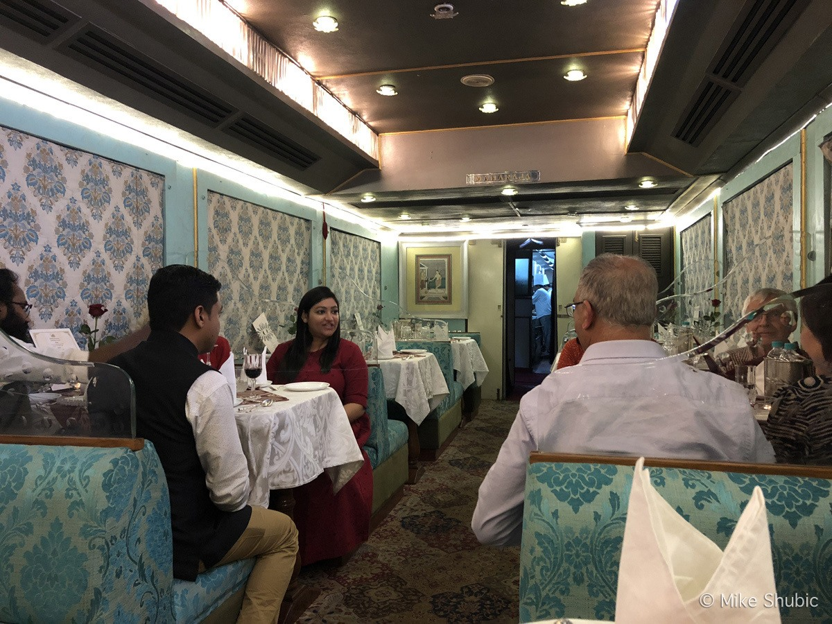 dining car on Palace of Wheels by MikesRoadTrip.com