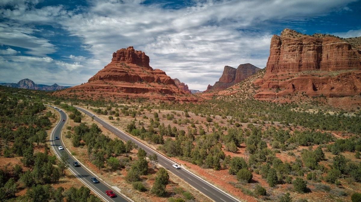 Southwest road trip through Oak Creek Village in Sedona Arizona by MikesroadTrip.com
