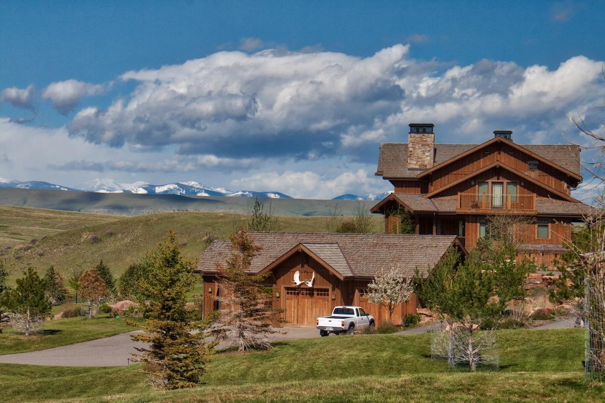 lodging Bucket list - Grey Cliffs Ranch by MikesRoadTrip.com