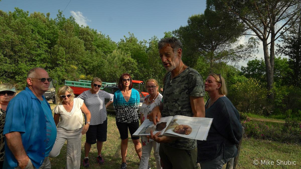 Truffel hunting in Tuscany by MikesRoadTrip.com