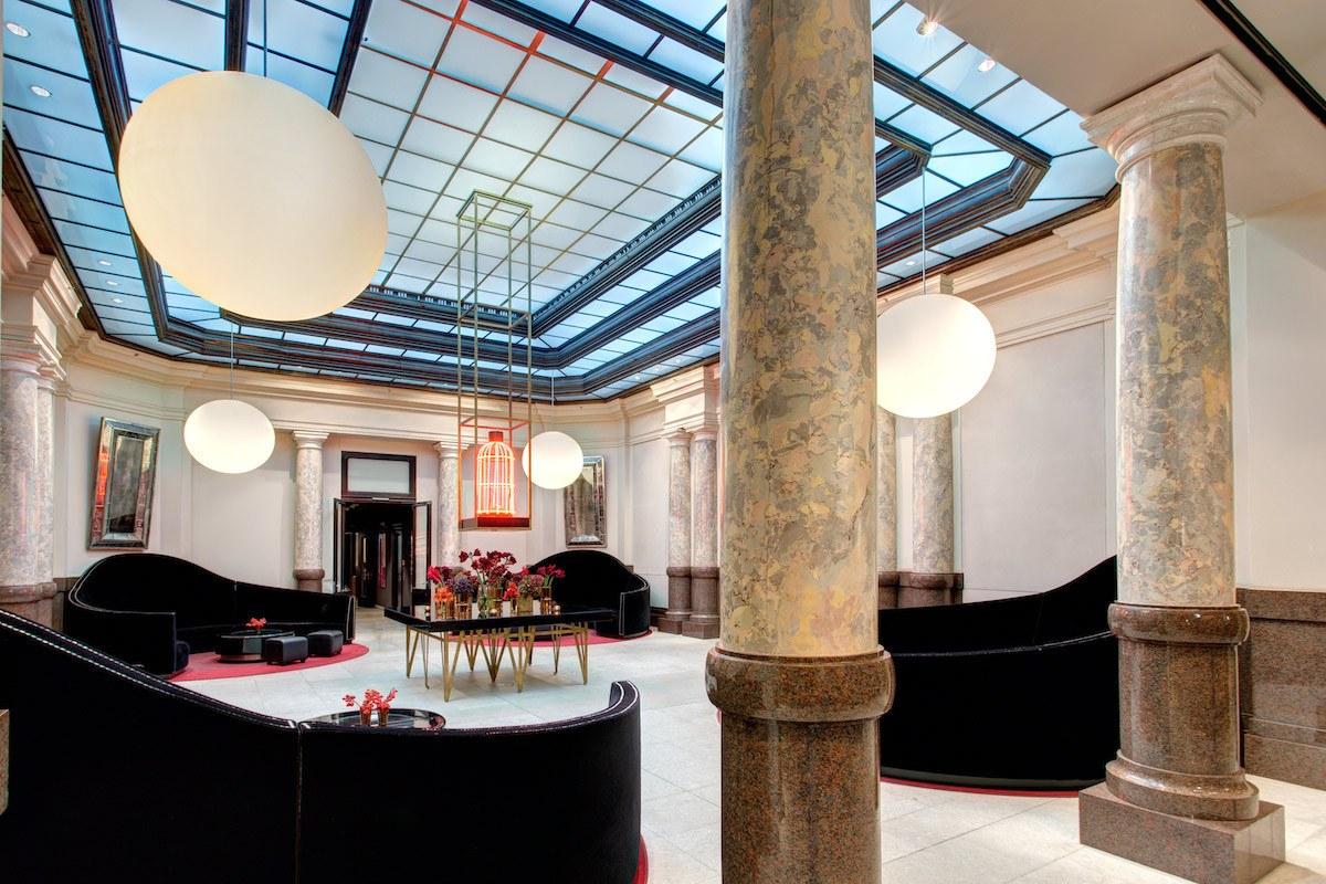 Berlin Hotel De Rome lobby