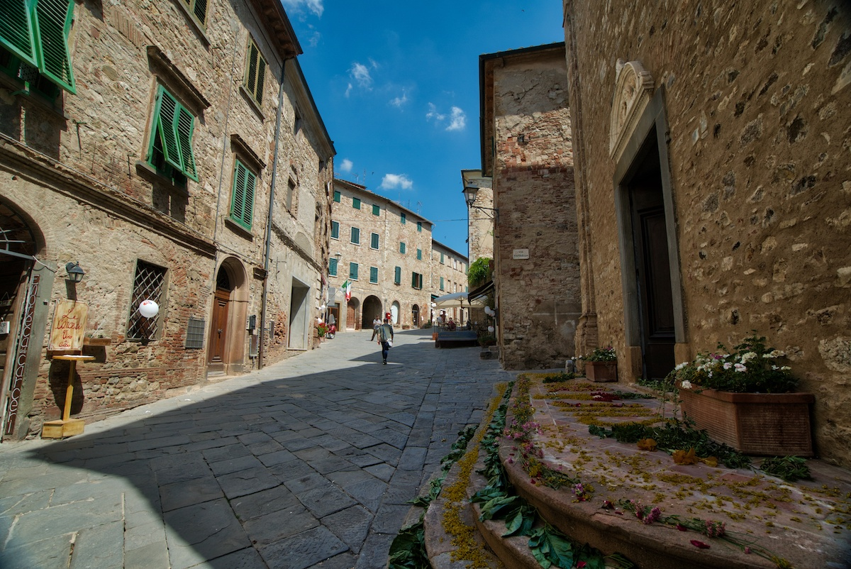 Suvereto is one of the best places to visit in Tuscany - Photo by Mike Shubic of MikesRoadTrip.com