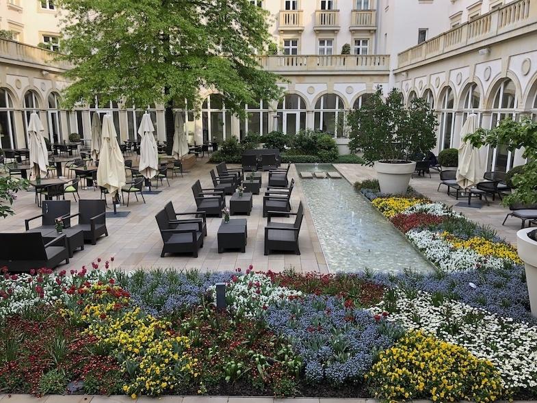 Villa Kennedy Courtyard