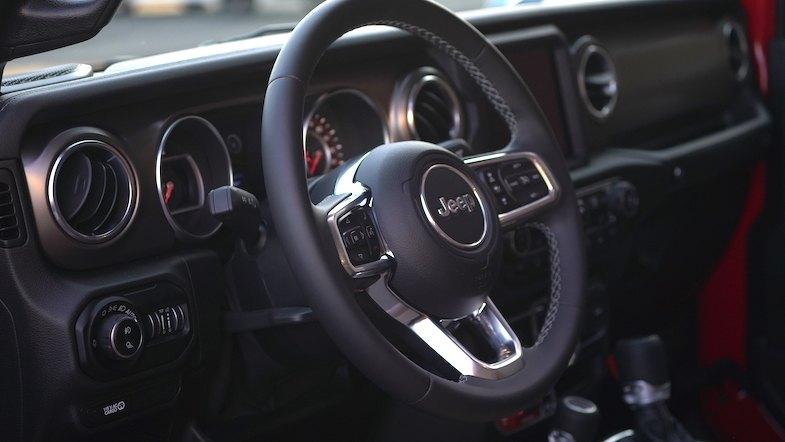 2020 Jeep Gladiador interior