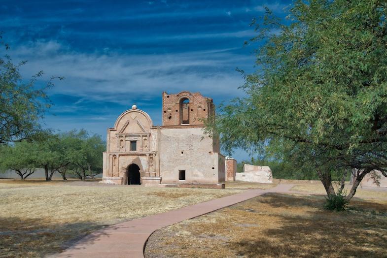 Southern Arizona road trip to Tumacacori - Photo by: Mike of MikesRoadTrip.com